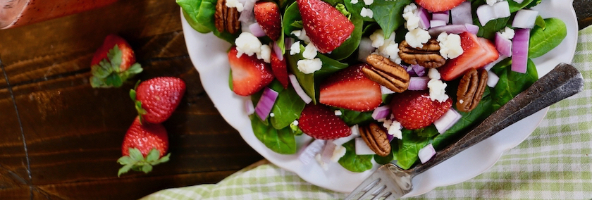 sweet and savory strawberry spinach salad